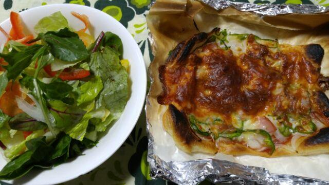 我家の手料理、ピザ