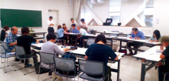 枝川真理の鉛筆画教室の様子