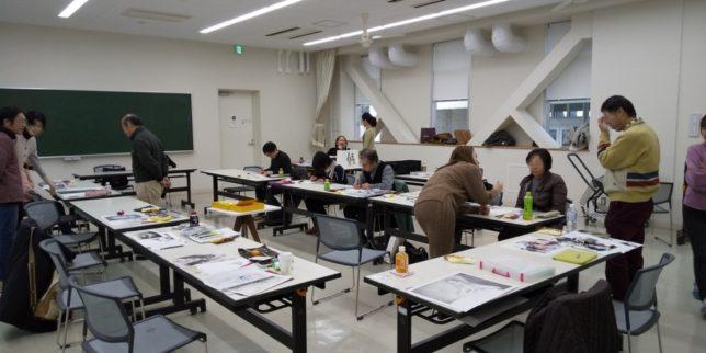 枝川真理の鉛筆画教室の様子写真2