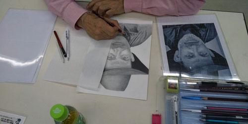 鉛筆画講座制と練習風景