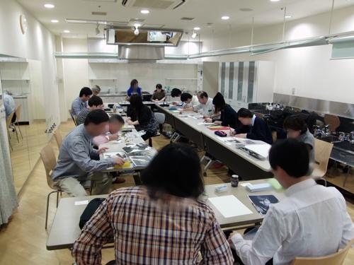 枝川真理の鉛筆画教室の様子 6年前